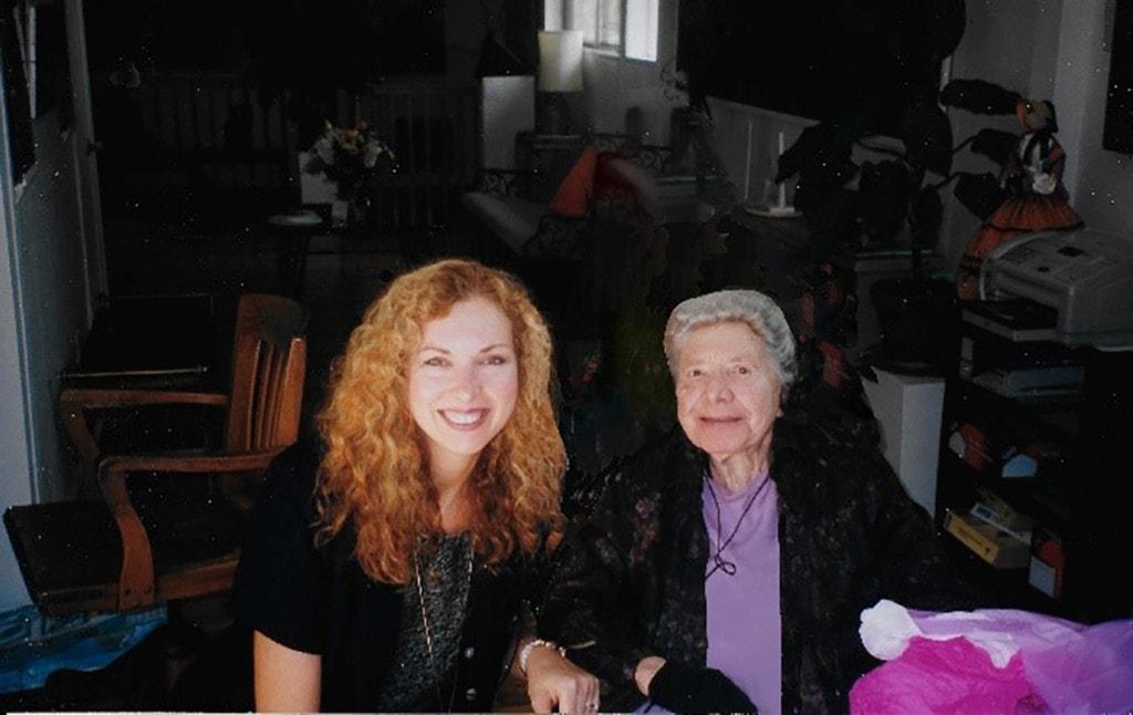 Fig 08 Ann Marie & Esphyr 2002